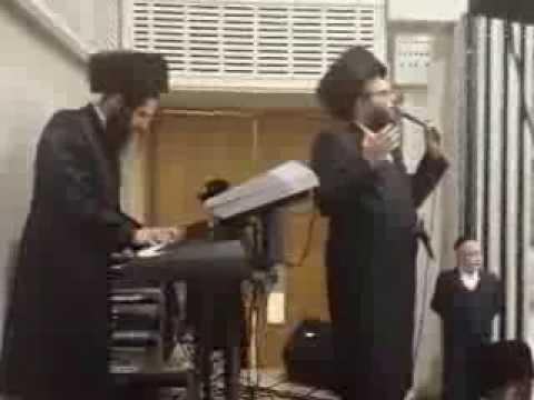 Dudi Kalish & Motty Hochberg  singing at a wedding in London