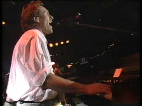 Steve Winwood - Roll With It - BBC1 - Monday 6th June 1988