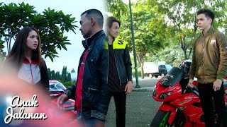 Video Boy Menendang Abis Churong Sampai Terjatuh [Anak Jalanan] [21 Oktober 2016] download MP3, 3GP, MP4, WEBM, AVI, FLV Agustus 2018