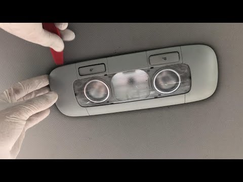 How to remove rear dome light on VW Golf Mk5, Jetta, Rabbit in 3 steps