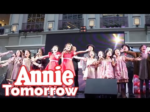 Full Cast of Annie The Musical - Tomorrow