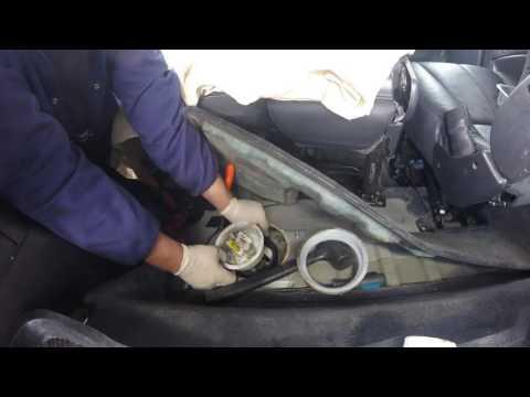 Как проверить резервуар и топливный фильтр бака Мерседес мл 270 Cdi