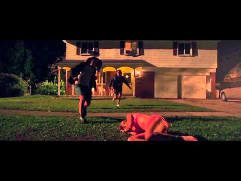 TRAILER IT FOLLOWS SUBTITULADO ESPAÑOL