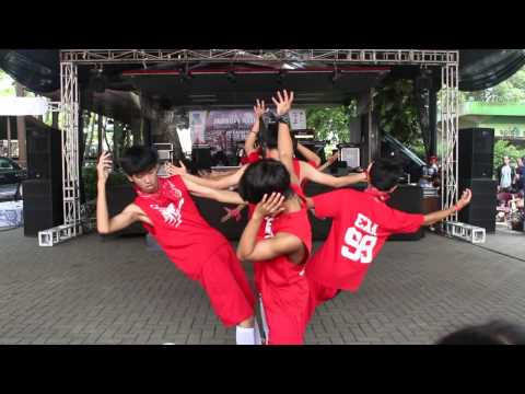 EXO - MAMA REMIX & WOLF (늑대와 미녀) REMIX COVER BY EXA AT KOTA BARU BAREPARE.