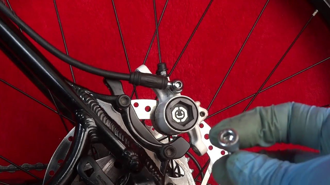 Ejecución Nathaniel Ward Florecer  FIT NEW PADS ON CLARKS SKELETAL HYDRAULIC DISC BICYCLE BRAKES - YouTube