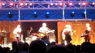 the-crooked-line---the-lovell-sisters-w-elvis-costello-winnipeg-folk-festival