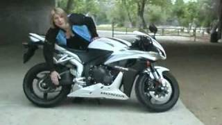 Throttle Jockey: Honda CBR 600-RR vs. Kawasaki ZX-6R