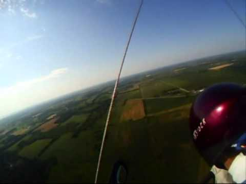 UFO in sun hang gliding.wmv