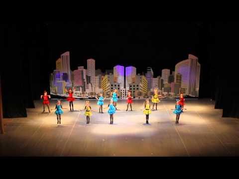 видео: Танец со скакалками