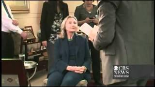هيلاري كلينتون أثناء تلقيها خبر مقتل القذافي