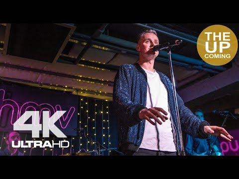 Somewhere Only We Know – Tom Chaplin live session at HMV London