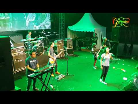 Pesta Pantai - GERANIUM Cover Live At ROCKARTINIAN KAMPOENG JACLOTH JEMBER