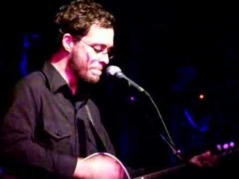 Amos Lee - Shout out loud (Live)   -Toronto