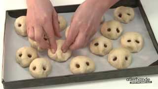 Kijk Broodegeltjes met sesam of kaas filmpje