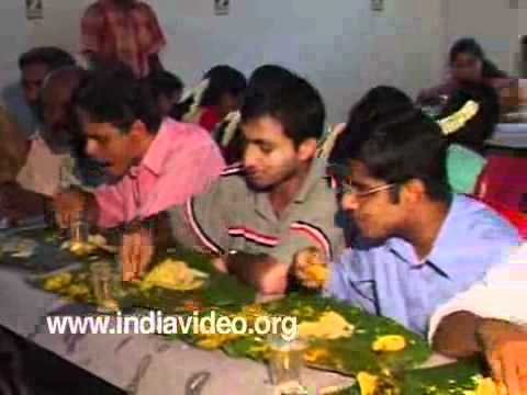 Traditional vegetarian feast in Hindu marriage: Sadya