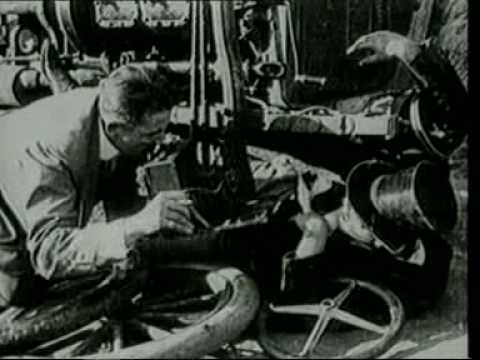 """First movie of Charlie Chaplin """"making a living"""" (1914)"""