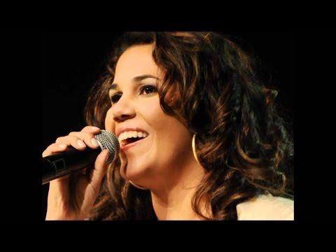 Pocket Show com Eliana Ribeiro na Rádio Canção Nova