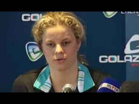 Kim Clijsters Makes Comeback!