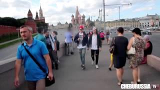Избиение гомосексуалистов в России   Reaction to gays in Russia social experiment