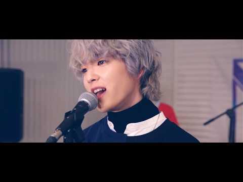 W24 - Love Me (Live Clip)