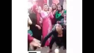 اجمد بنت بترقص علي اغنية هت سجرجاره خد سجرجاره في الشارع |مسخره😂😂