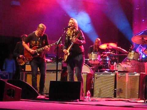 Tedeschi-Trucks Band - Living in The Palace of the King - 8/14/14 mp3