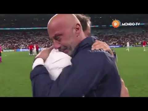 Commovente abbraccio tra Mancini e Vialli dopo la vittoria di Euro 2020 - MondoTV24.IT