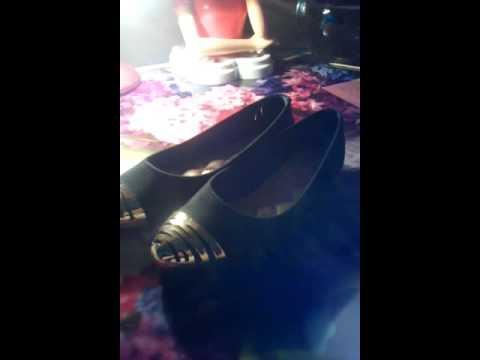 Как по чистить бархатные туфли