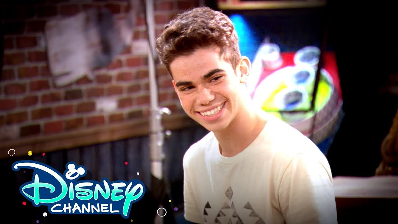 Cameron Boyce Tribute Follows Descendants 3 Premiere Gma