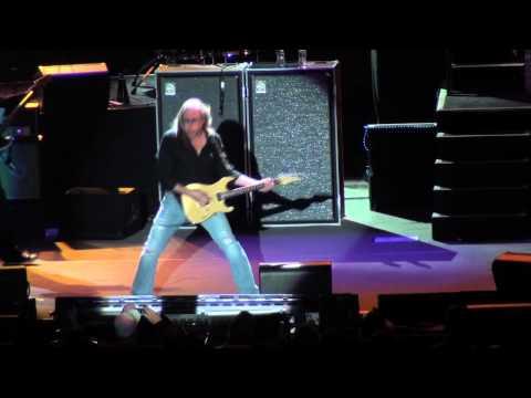 [HD] Bob Seger - Travelin' Man / Beautiful Loser - Atlantic City 4/16/11
