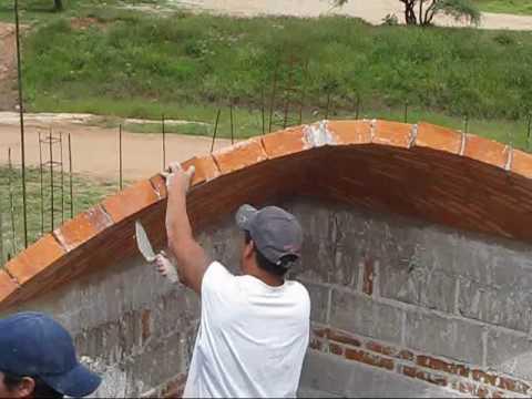 Impresionante construcción de una bóveda catalana