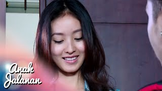 Video a Akhirnya Reva di kasih bunga sama Boy [Anak Jalanan] [16 Nov 2015] download MP3, 3GP, MP4, WEBM, AVI, FLV Januari 2018