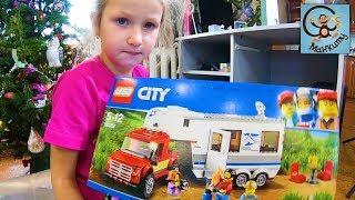 Манкиту Диана и Даня распаковывают игрушки машинки на радио управлении и Lego. МанкиТайм