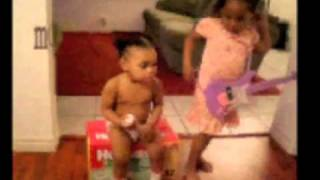 Huggies Diapers Stay Dry On Baby Actress  (COMMERCIAL)
