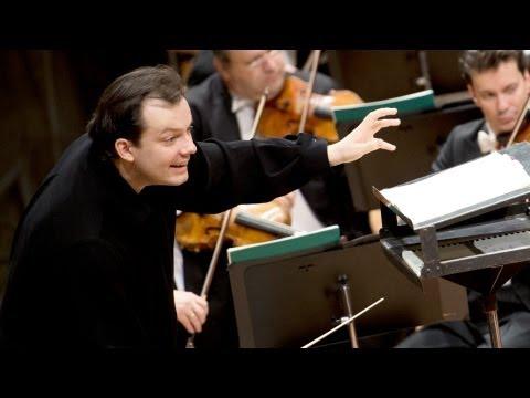 Mozart: Symphony No. 33 / Nelsons · Berliner Philharmoniker