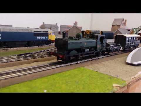 Bachmann 30-080 'The Western Wanderer' Train Set  GWR Green Class 0 6 0PT No  6700 B22615