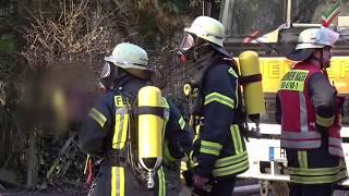 Brand im Dachgeschoss eines Wohnhauses in Hagen – Feuerwehr Hagen löscht Feuer umsichtig
