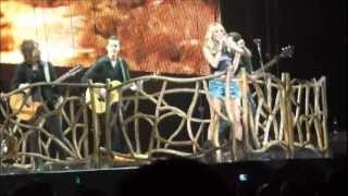 """Carrie Underwood """"LIVE"""" Get out of this town & Nobody ever told you."""