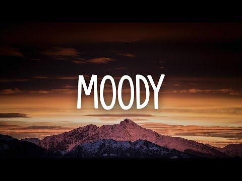 Savannah Sgro - Moody (Lyrics)