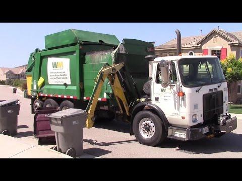 Waste Management of Inland Empire (Menifee) Autocar Heil DuraPack Python