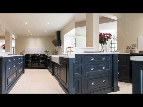 blue-luxury-bespoke-kitchen-in-ongar-by-the-handmade-kitchen-company