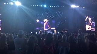 "Kenny Chesney & David Lee Murphy - ""Everything is Going to be Alright"" - Ford Field 2018"