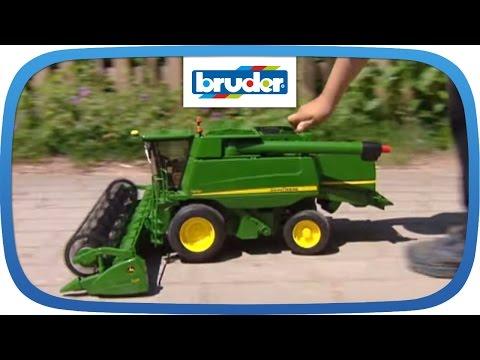 BRUDER - John Deere Mähdrescher T670i