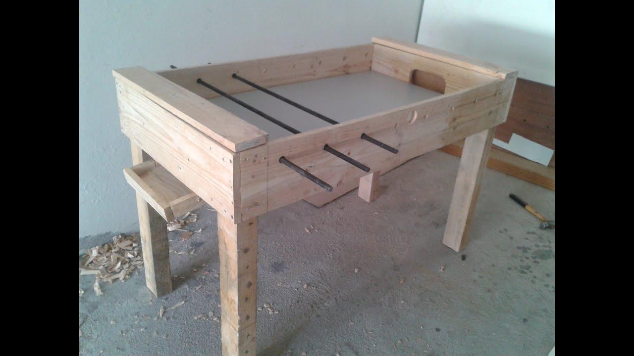 Como hacer un futbolin futbolito metegol de madera de - Como hacer una mesa de ordenador ...