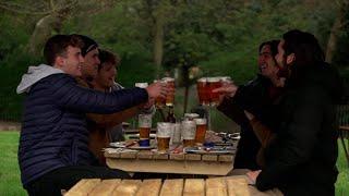Bières en terrasse et magasins ouverts:  les Anglais retrouvent un peu de liberté