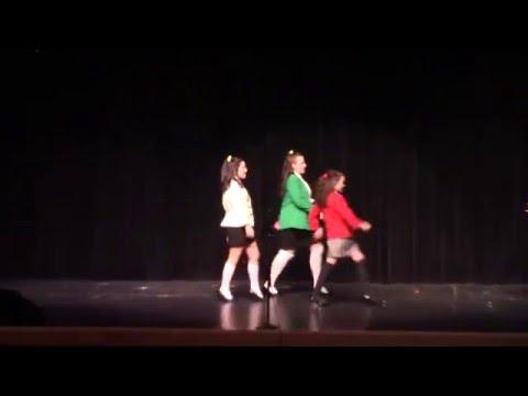 Lacy Goettling performing