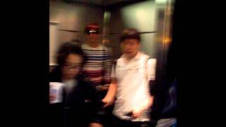 Yunho @ Toronto Pearson International Airport [18/05/2011] - Fancam (Part 2)