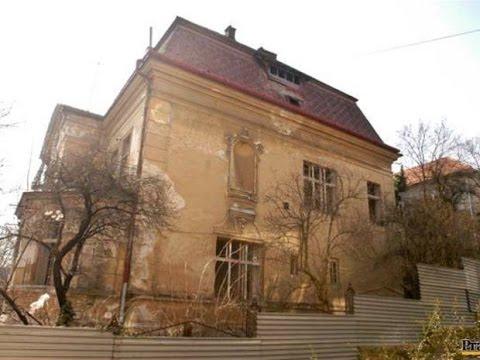 Abandoned villa, Bratislava, night urbex