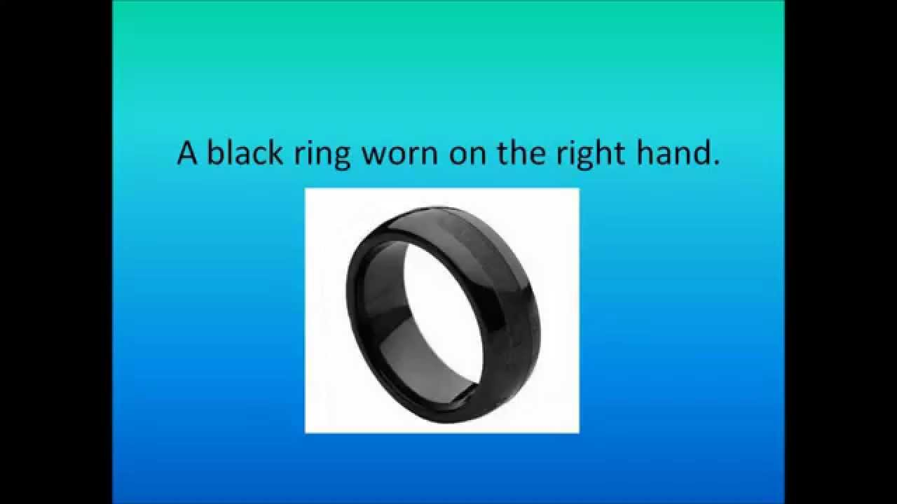 Black Rings Worn On Right Hand 2014 What Does It Mean