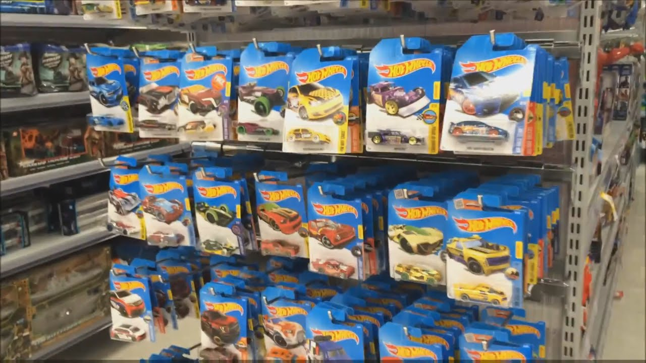 Hot Wheels In Store Hunting 2017 A Case At Kmart Youtube